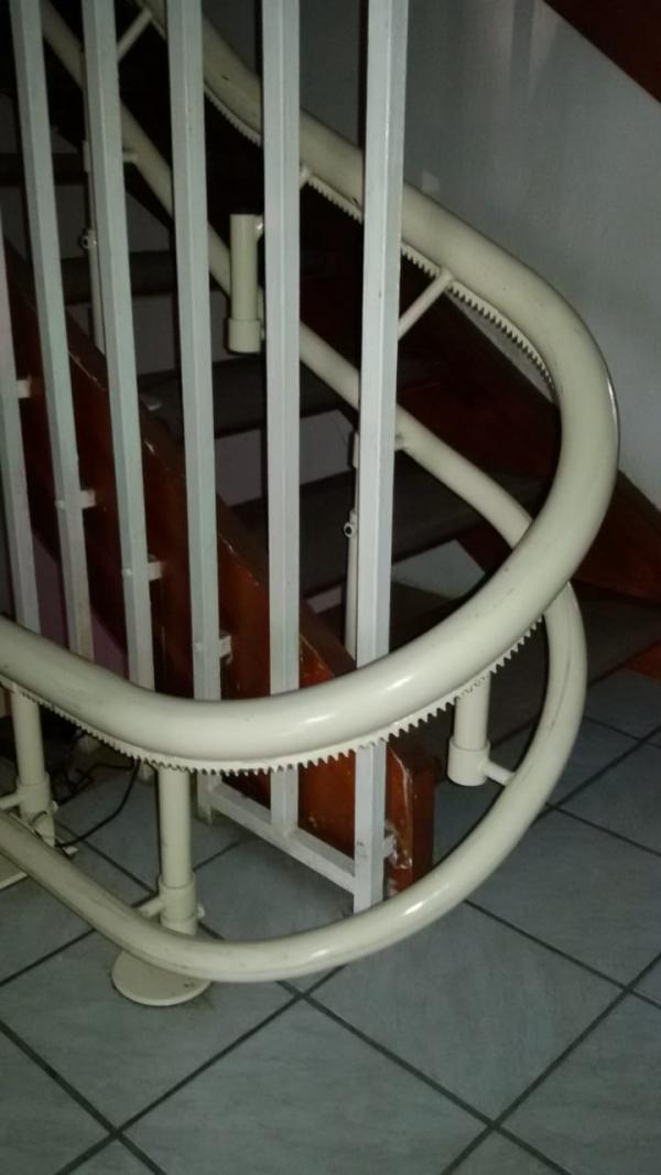 andere treppenlift. Black Bedroom Furniture Sets. Home Design Ideas