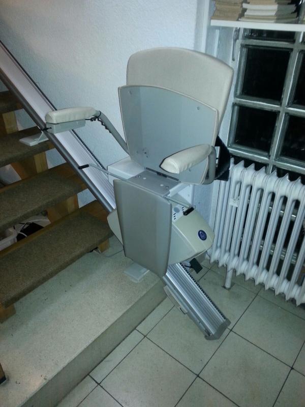 gebrauchte treppenlifte von thyssenkrupp treppenlift. Black Bedroom Furniture Sets. Home Design Ideas